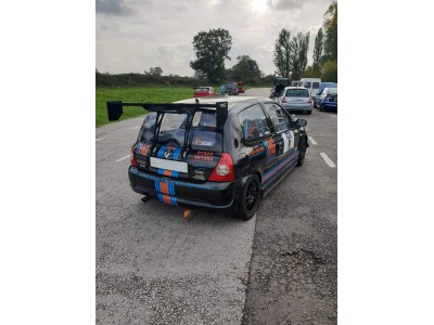 Clio 182 BYC rear wing mount system